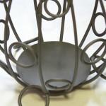 Большая напольная ваза из проволоки